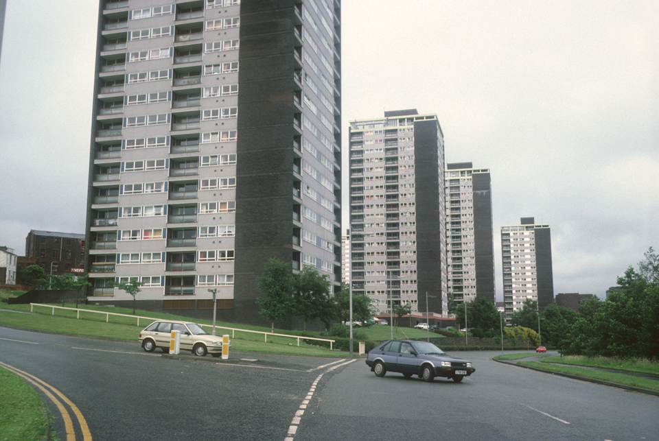 View of 21-storey and 17-storey blocks on College Bank Road, 1987.