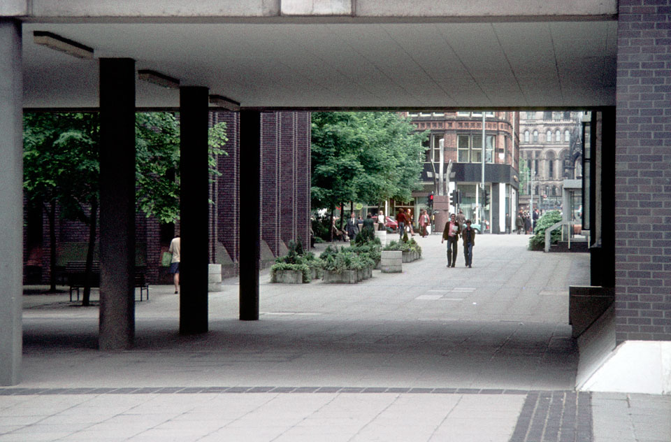 View back towards Deansgate from first courtyard.